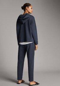 Massimo Dutti - MIT TASCHE - Hoodie - dark blue - 1