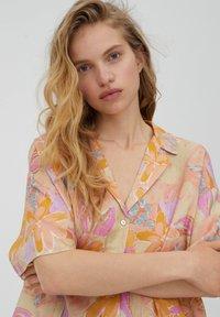 PULL&BEAR - Button-down blouse - orange - 3