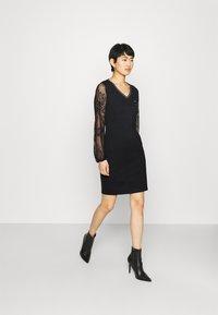 Liu Jo Jeans - ABITO - Sukienka z dżerseju - nero - 1