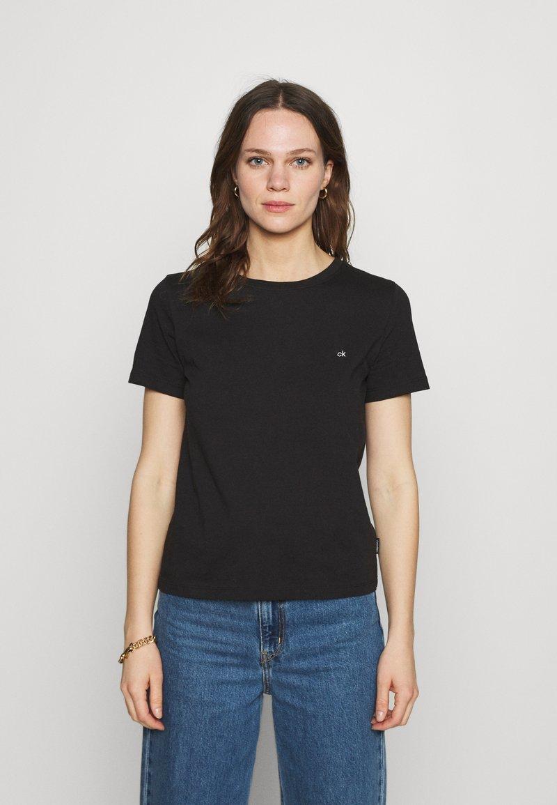 Calvin Klein - SMALL NECK  - Jednoduché triko - black