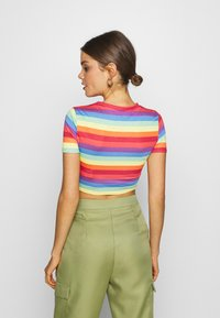 Missguided - PRIDE RAINBOW CROP TEE - T-shirts med print - multicoloured - 2
