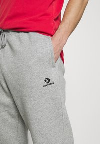 Converse - MENS EMBROIDERED STAR CHEVRON PANT - Tracksuit bottoms - mottled grey - 4