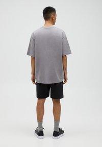PULL&BEAR - T-shirt basic - beige - 2