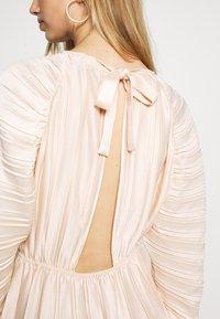 NA-KD - PLEATED OPEN BACK DRESS - Day dress - light pink - 5