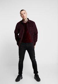 Topman - STRIPE TEE - T-shirt basic - burgundy - 1