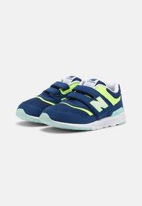 New Balance - IZ997HSY - Sneakers laag - blue - 1