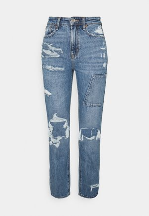 90S BOYFRIEND - Relaxed fit jeans - had a cool moment