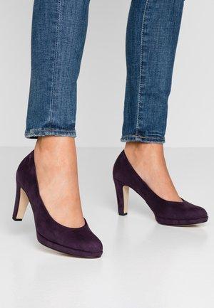 High heels - plum