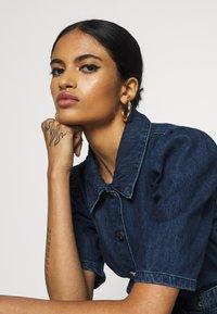 ONLY - ONLCLARITY LIFE PUFF - Vestito di jeans - dark blue denim - 5