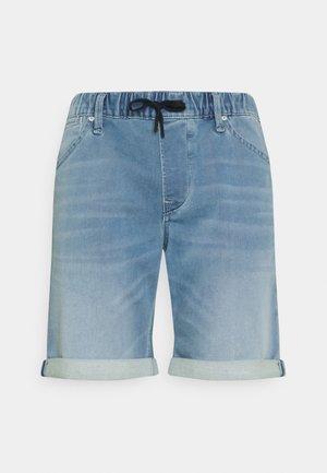JJIRICK JJDASH - Szorty jeansowe - blue denim