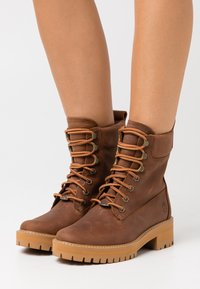 Timberland - COURMA VALLEY BOOT WP - Platform ankle boots - mid brown - 0