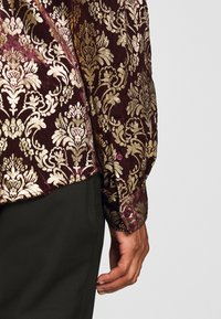 Twisted Tailor - HOLLAND - Chemise - wine - 6