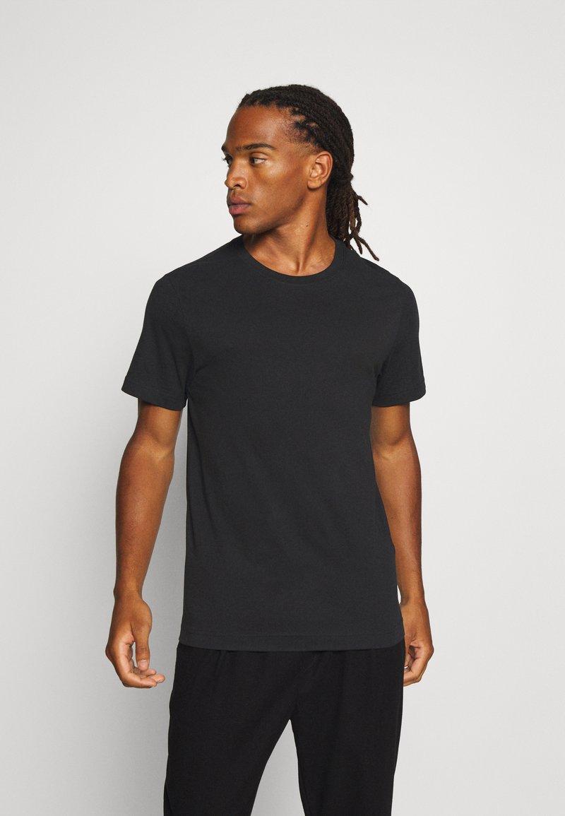 Weekday - T-shirt - bas - black