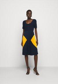 Steffen Schraut - PARIS PLEATED DRESS - Day dress - navy sun - 1