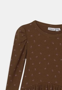Name it - NMFDAISIA - Robe en jersey - brown - 2