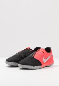 Nike Performance - PHANTOM ACADEMY IC - Indoor football boots - laser crimson/metallic silver/black - 2