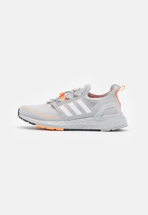 ULTRABOOST PRIMEKNIT RUNNING SHOES - Neutral running shoes - grey two/footwear white/signal orange