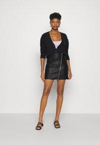 Vila - VIBALINI SHORT SKIRT - Mini skirt - black - 1