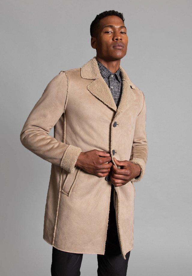 BRONCO - Short coat - natur
