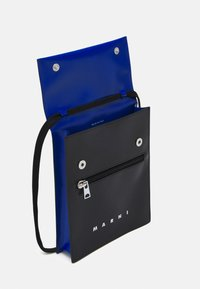 Marni - TRIBECA POUCH UNISEX - Across body bag - black/royal - 3