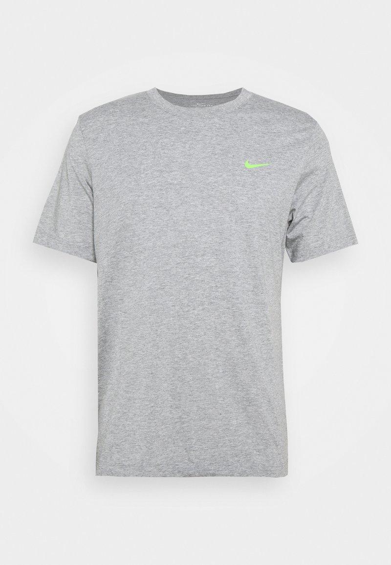 Nike Performance - TEE YOGA - Print T-shirt - dark grey heather