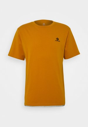 MENS EMBROIDERED STAR CHEVRON LEFT CHEST TEE - T-shirt basic - saffron yellow