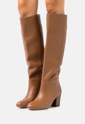 SUPER NOVA - Bottes - brown