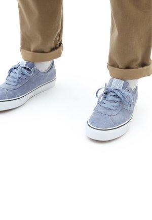 UA VANS SPORT - Sneakers - tempest blue/true white