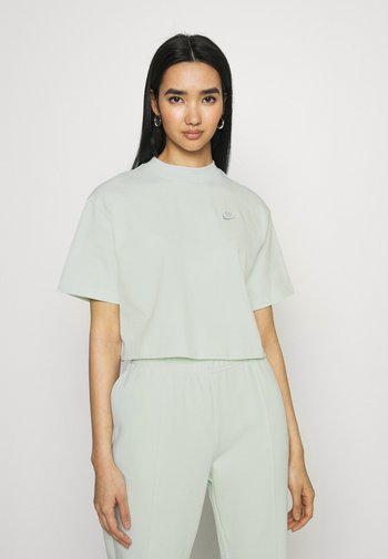 Camiseta básica - barely green