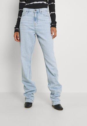 CHEEKY FIT LONG LEG  - Džíny Straight Fit - blue
