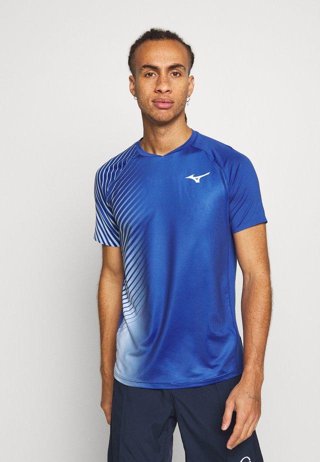 SHADOW GRAPHIC TEE - T-shirt z nadrukiem - true blue