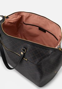 By Malene Birger - ELI TRAVEL - Weekend bag - dark chokolate - 3