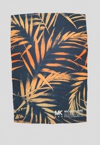 Michael Kors - PALM BLOCK TEE - Print T-shirt - midnight - 5