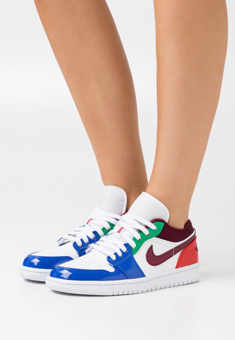 Jordan - AIR 1 - Sneakers basse - white/dark beetroot/hyper royal/lucky green/university red/black