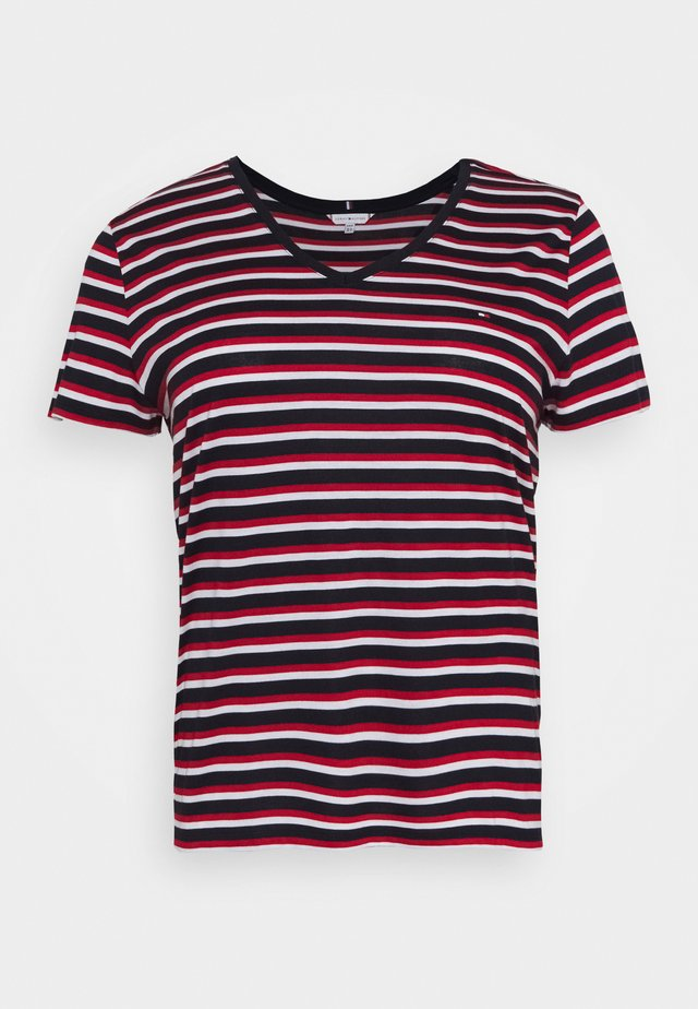 RELAXED V NECK - T-shirts - ombre/red/white/blue
