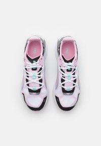 Puma - ULTRA RUNNER JR UNISEX - Závodní běžecké boty - pink/black/white - 3