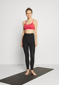 Cotton On Body - SO SOFT RACER CROP - Sport BH - rio red marle - 1