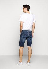 7 for all mankind - REGULAR HEMET - Denim shorts - mid blue - 2