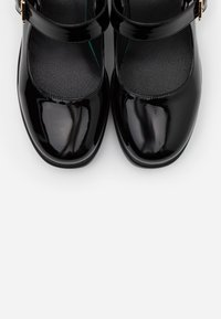 Koi Footwear - VEGAN - Platåsko - black - 5