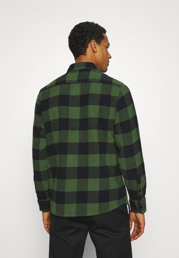 Dickies NEW SACRAMENTO - Koszula - pine green/ciemnozielony Odzież Męska SAYO
