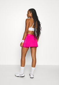 Nike Performance - DRY SKIRT - Sportovní sukně - vivid pink/white/white - 2