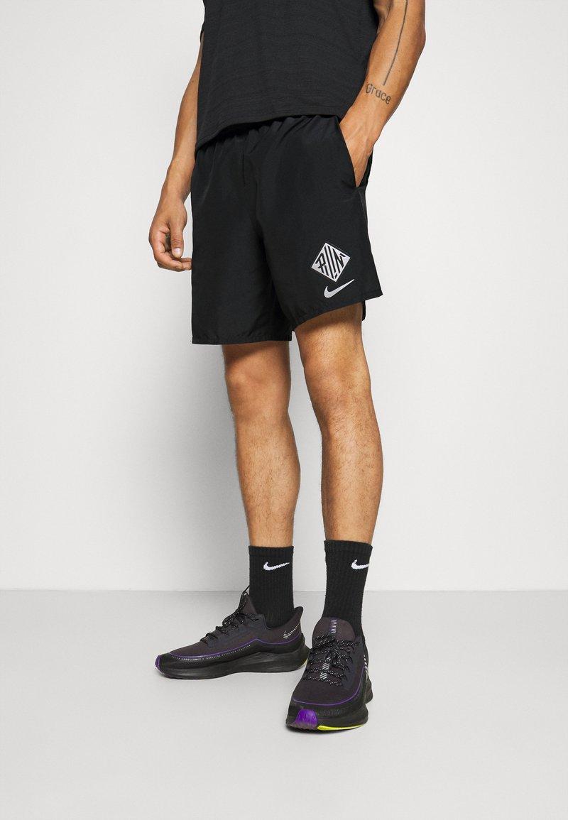 Nike Performance - Korte broeken - black/reflective silver