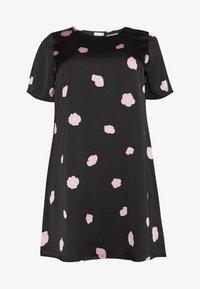 Glamorous Curve - FLORAL SHIFT - Denní šaty - black - 0