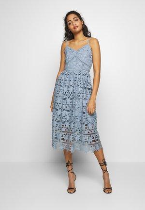 VIZANNA - Sukienka koktajlowa - ashley blue