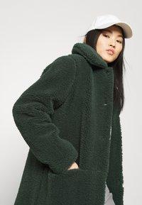 Another-Label - MOUSSY COAT - Zimní kabát - sycamore green - 3