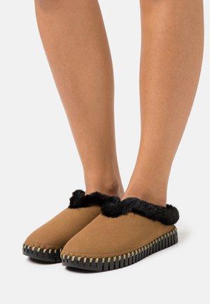 Domácí obuv - tannin