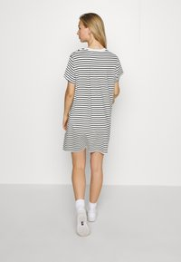 Levi's® - LULA TEE DRESS - Jersey dress - cloud dancer - 2