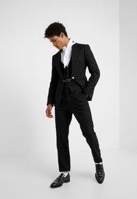 Vivienne Westwood - CROPPED GEORGE - Pantaloni eleganti - black - 1