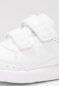 adidas Performance - ALTASPORT CF - Sportovní boty - blanc - 5