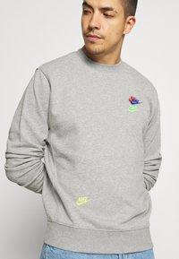 Nike Sportswear - Sweatshirt - grey heather - 4